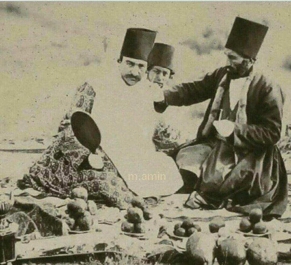 ناصرالدین شاه و آرایشگر