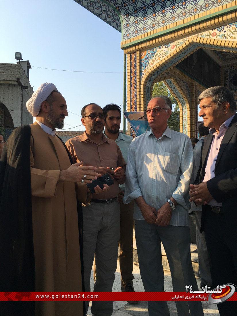 عطر افشانی مزار شهید طاهری (2)