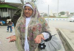 بانوي اهل سنتي كه سالي 4 بار به زيارت امام رضا (ع) مي رود