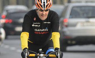 جان کری به دلیل درگیری با سران داعش زخمی شده است؛ نه دوچرخهسواری