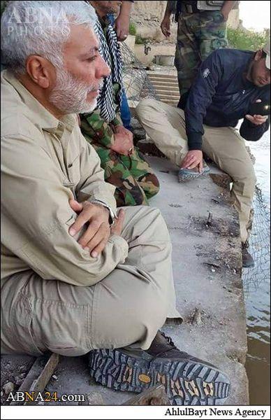 گریستن فرمانده نیروهای حشد شعبی در قتلگاه اسپایکر + عکس