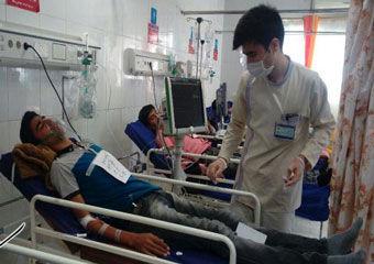 بستری شدن 38 دانش آموز مراوه تپه ای در اورژانس بیمارستان کلاله+تصاویر