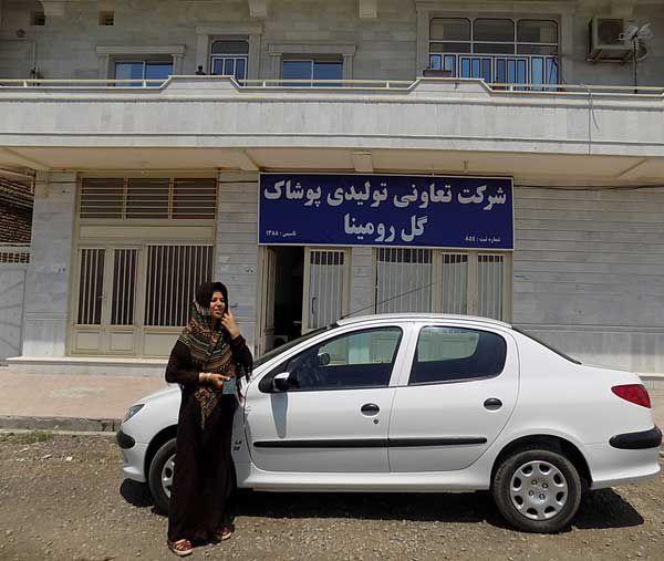 چرخ های خیاطی بانوی ترکمن چرخ سنگین چندین زندگی را می چرخاند+ تصاویر