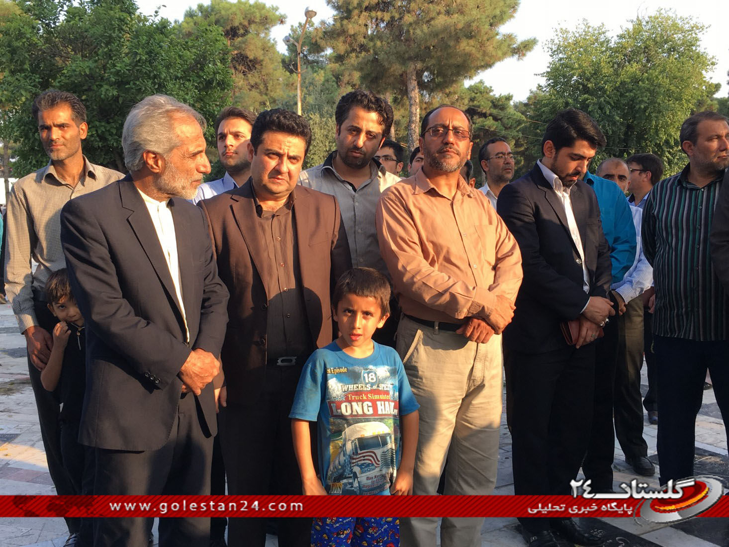 عطر افشانی مزار شهید طاهری (12)