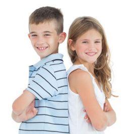 اعمال نقشهای جنسیتی برای فرزندان آسیب زا میباشد