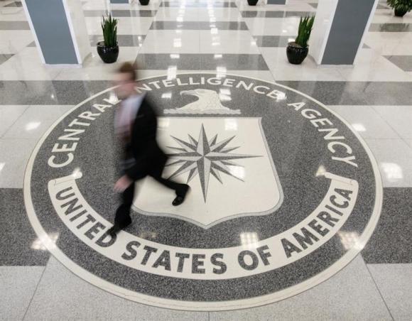 """پیوستن """" سازمان جاسوسی آمریکا """" به فیسبوک و توییتر"""