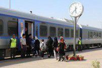 قطار گردشگری گرگان- اسکله بندر ترکمن راهاندازی شد