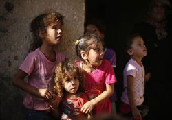 تصاویر دردناک از اشک های کودکان غزه